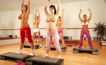 фитнес в голом виде видео онлайн