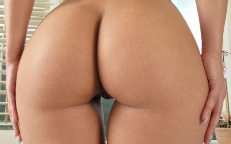 фото красивых голых женских поп